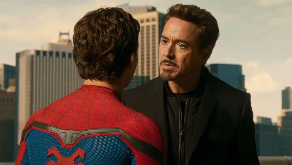 Robert Downey Jr. y Tom Holland como SpiderMan y Iron Man en Marvel