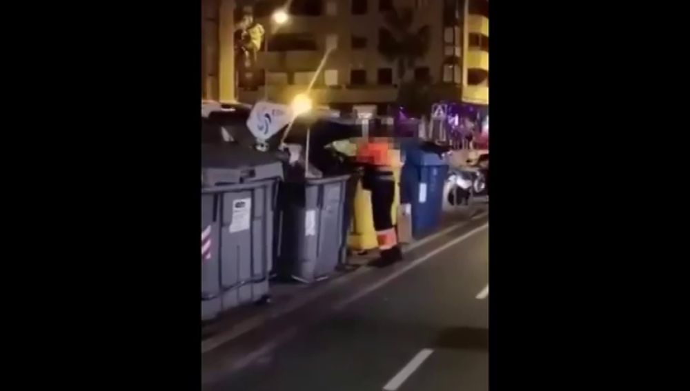 Denuncian el depósito de cartones en la basura orgánica por parte de los basureros