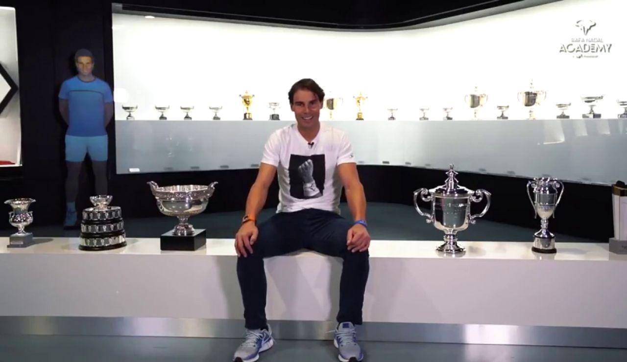 """Rafa Nadal posa con todos sus trofeos de 2019: """"Ha sido emocionante"""""""