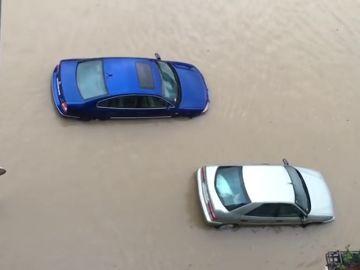 Dos personas rescatadas por las fuertes lluvias e inundaciones en Pamplona