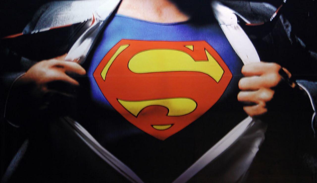 Sale a subasta el traje original de Superman