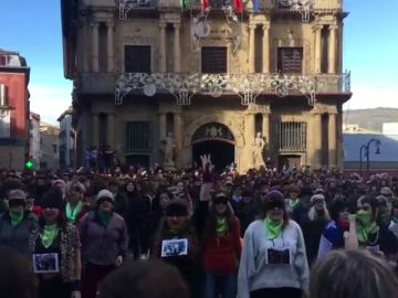 Cientos de mujeres se manifiestan en Pamplona contra las agresiones sexuales