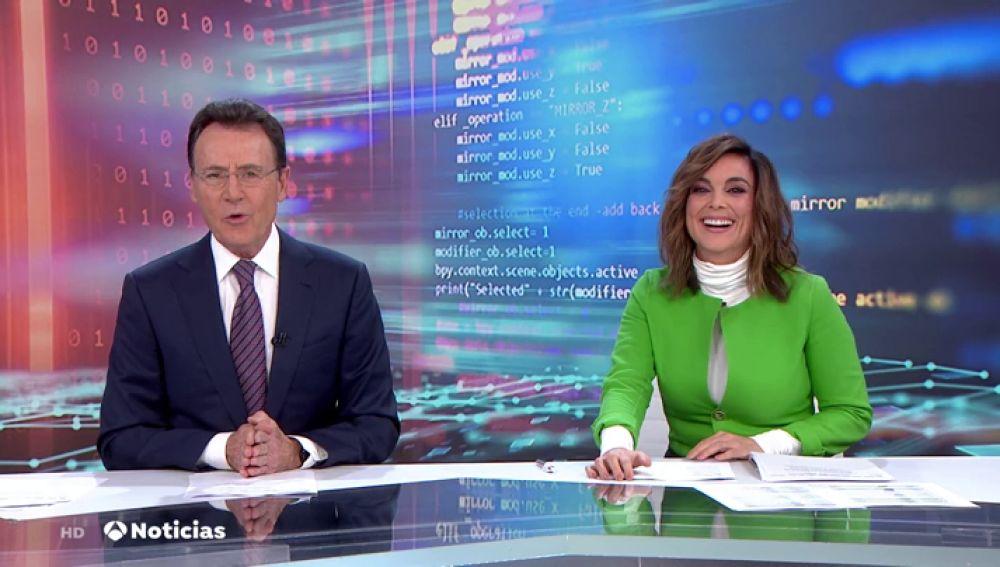 La simpática forma de Matías Prats anunciar el 'Especial Lotería de Navidad' que hecho reír a Mónica Carrillo en directo