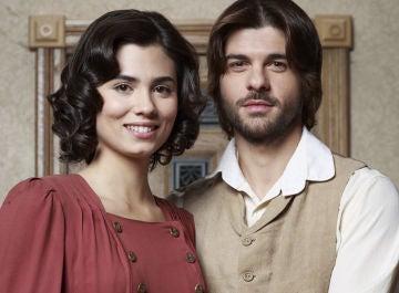 Loreto Mauleón y Jordi Coll, María y Gonzalo en 'El secreto de Puente Viejo'