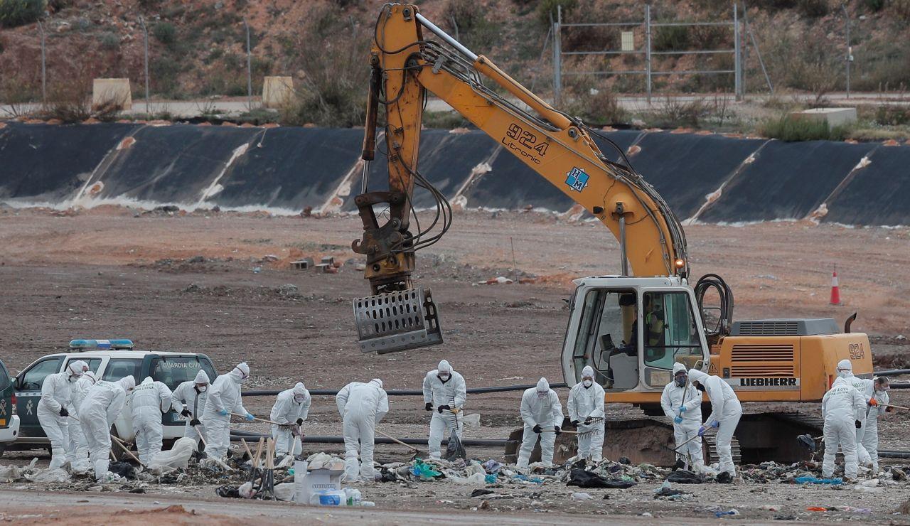 La Guardia Civil reanuda la búsqueda del cuerpo de Marta Calvo en el vertedero de Dos Aguas, Valencia.