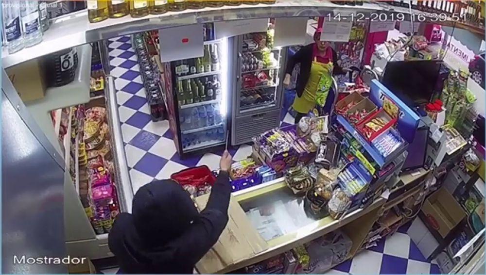 Atracan un establecimiento armado con un cuchillo en Alcázar de San Juan (Ciudad Real)