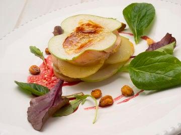 Timbal de patata, foie y manzana