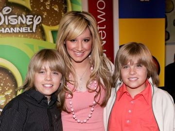 Ashley Tisdale, Dylan y Cole Sprouse