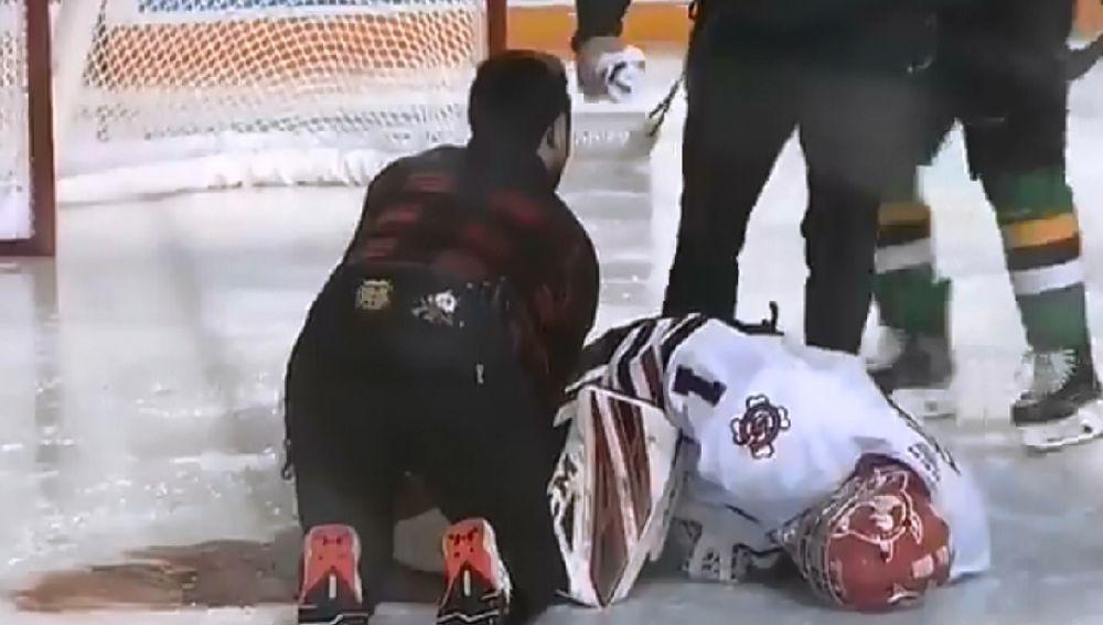 Tucker Tynan en el suelo tras el accidente