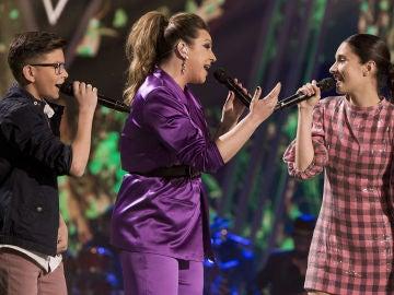 Garra flamenca con Niña Pastori, Salvador Bermúdez e Irene Gil al versionar 'La mudanza' en la Final de 'La Voz Kids'
