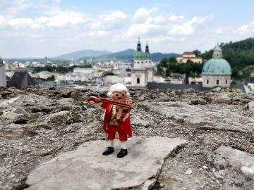 Venden miles de Mozarts en Playmobil para apoyar la formación de músicos