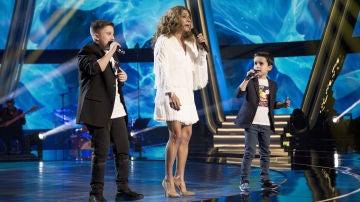 Lolita Flores canta 'Como tú' con Daniel García y Chavito en la Final de 'La Voz Kids'