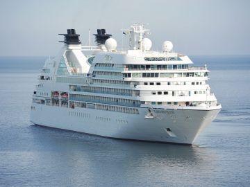 Un barco de crucero