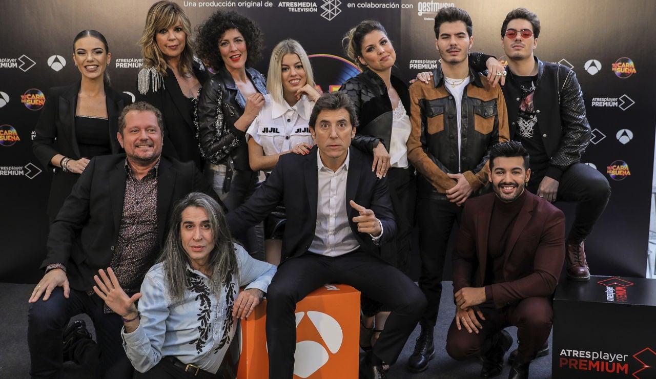 Manel Fuentes junto a los concursantes de la octava edición de 'Tu cara me suena'