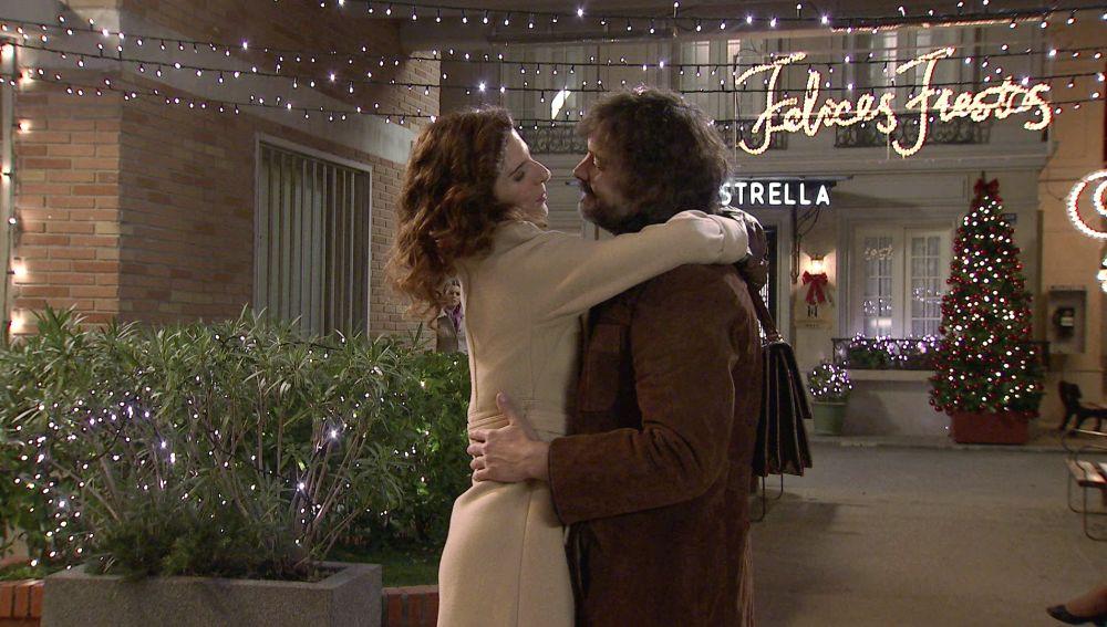 Lourdes se enfrenta a Julia al descubrir que ha retomado su relación con Guillermo