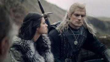 Yennefer y Henry Cavill en 'The Witcher'