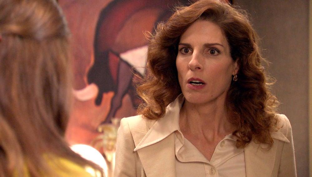 Julia entra en pánico con la noticia de Irene