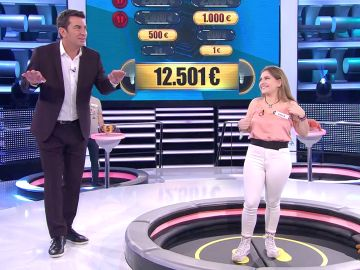 El divertido cachondeo de Arturo Valls con la altura de Paula en '¡Ahora caigo!'