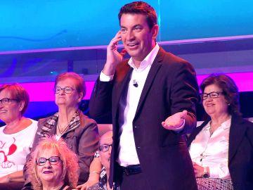 La confusión de Arturo Valls por tomarse las órdenes demasiado literalmente en '¡Ahora caigo!'