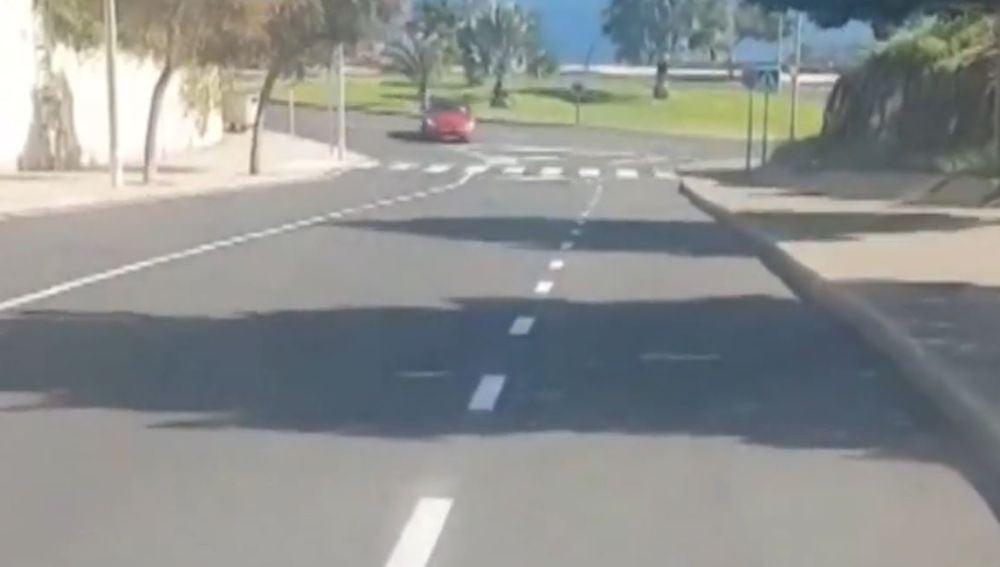 Conducción temeraria en una rotonda de Santa Cruz de Tenerife