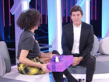 Rocío Madrid sorprende a Manel Fuentes en 'Tu cara me suena' con un emotivo regalo que les unió