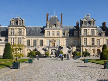 Los españoles que planeaban el robo en el castillo de Fontainebleau trabajaban para la mafia China