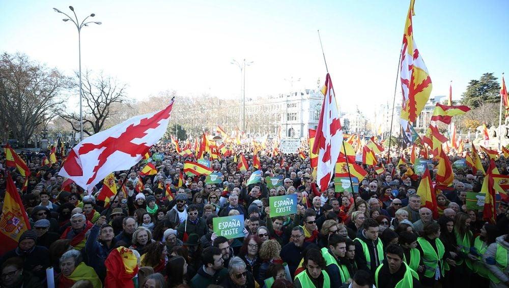 Asistentes a la concentración de Vox en Madrid
