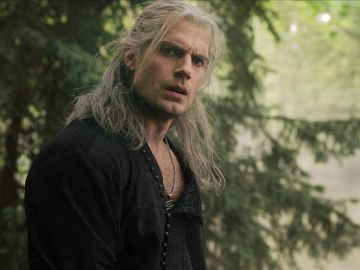 Henry Cavill es Geralt de Rivia en 'The Witcher'