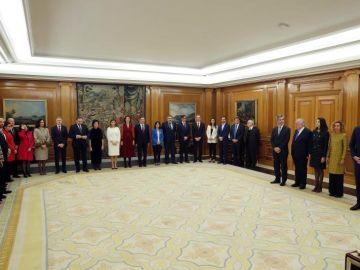 Los ministros y vicepresidentes de Pedro Sánchez prometen su cargo ante el Rey