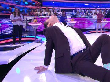 Arturo Valls se desata en '¡Ahora caigo!' bailando 'Flashdance'