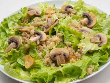 Ensalada de quinoa y champiñones