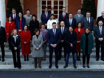 Foto de familia del Gobierno de coalición de PSOE y Unidas Podemos