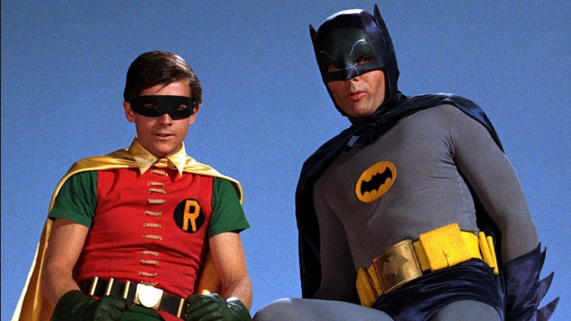 Burt Ward, el actor que hizo de Robin en la serie de los 60, confiesa que  le obligaron a tomar pastillas para encoger su pene