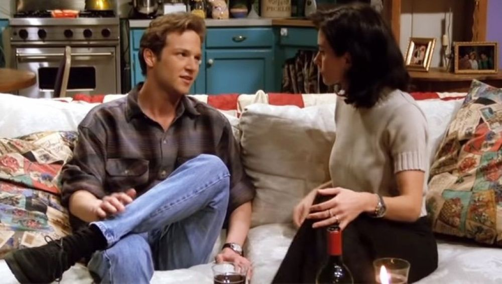 Stan Kirsch y Courteney Cox en 'Friends'