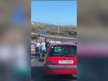Dos conductores se enfrentan a puñetazos tras una discusión de tráfico en Tenerife