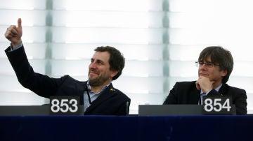 Carles Puigdemont y Toni Comín en el Parlamento Europeo