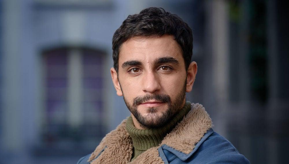 César Mateo es Sebas en 'Amar es para siempre'