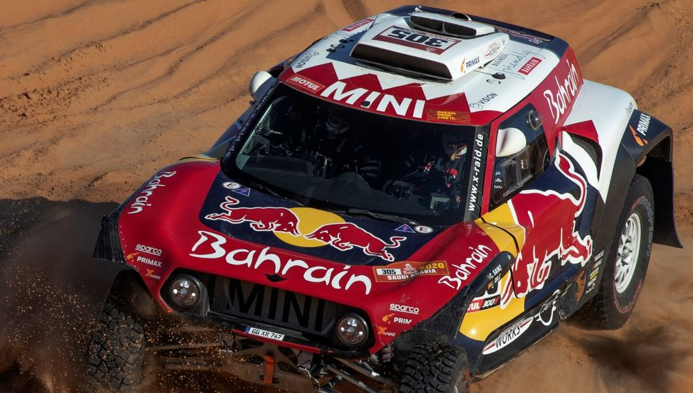 Carlos Sainz, en acción en la etapa 11 del Dakar