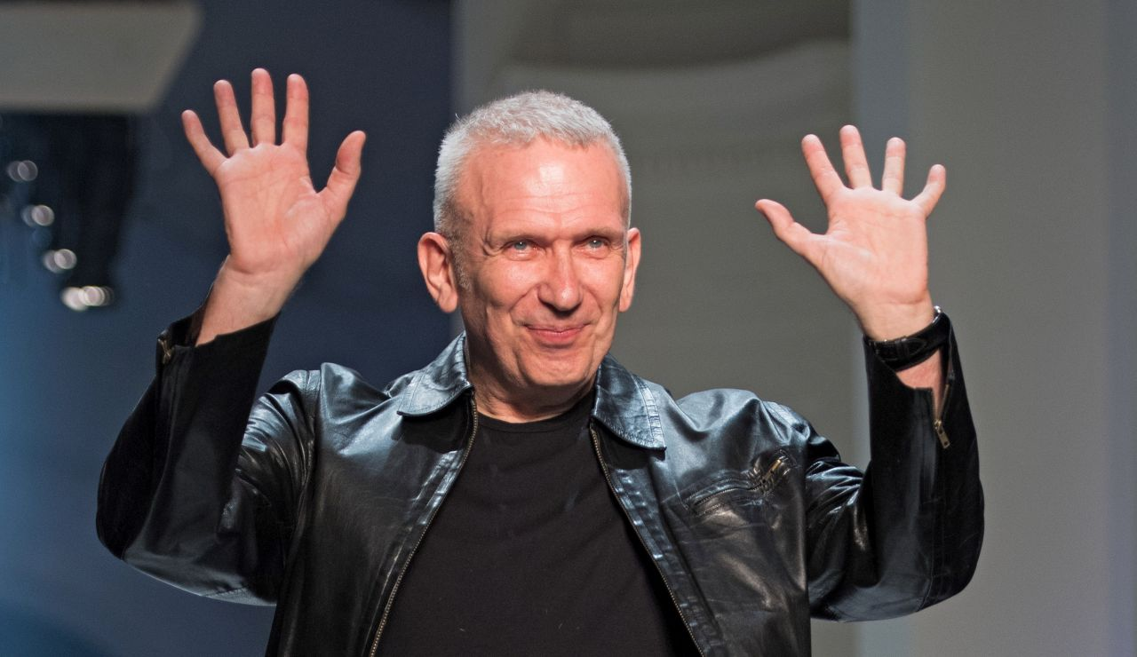 El diseñador francés, Jean-Paul Gaultier, anuncia su retirada de las pasarelas