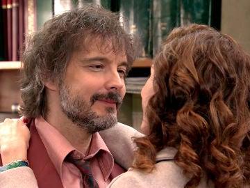 Guillermo decide ocultarle a Julia sus sospechas
