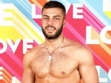 Finn Tapp, jugador del Oxford City y participante de 'Love Island'