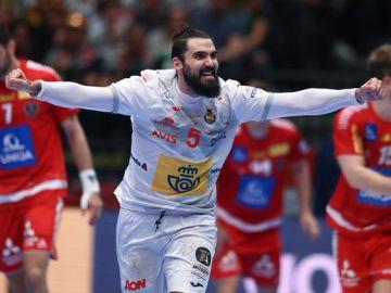 Maqueda celebra uno de sus seis goles en el partido