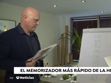 "Ramón Campayo, campeón mundial de memorización: ""Con dos horas diarias puedes preparar cualquier oposición"""