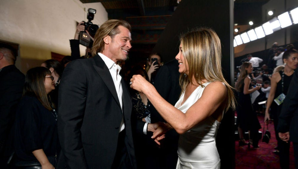 Brad Pitt y Jennifer Aniston, en el backstage de los Premios SAG