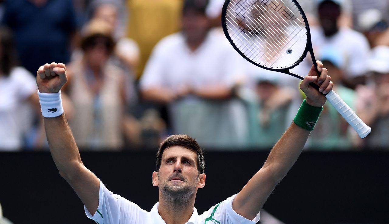Djokovic vence a Schwartzman y avanza a cuartos