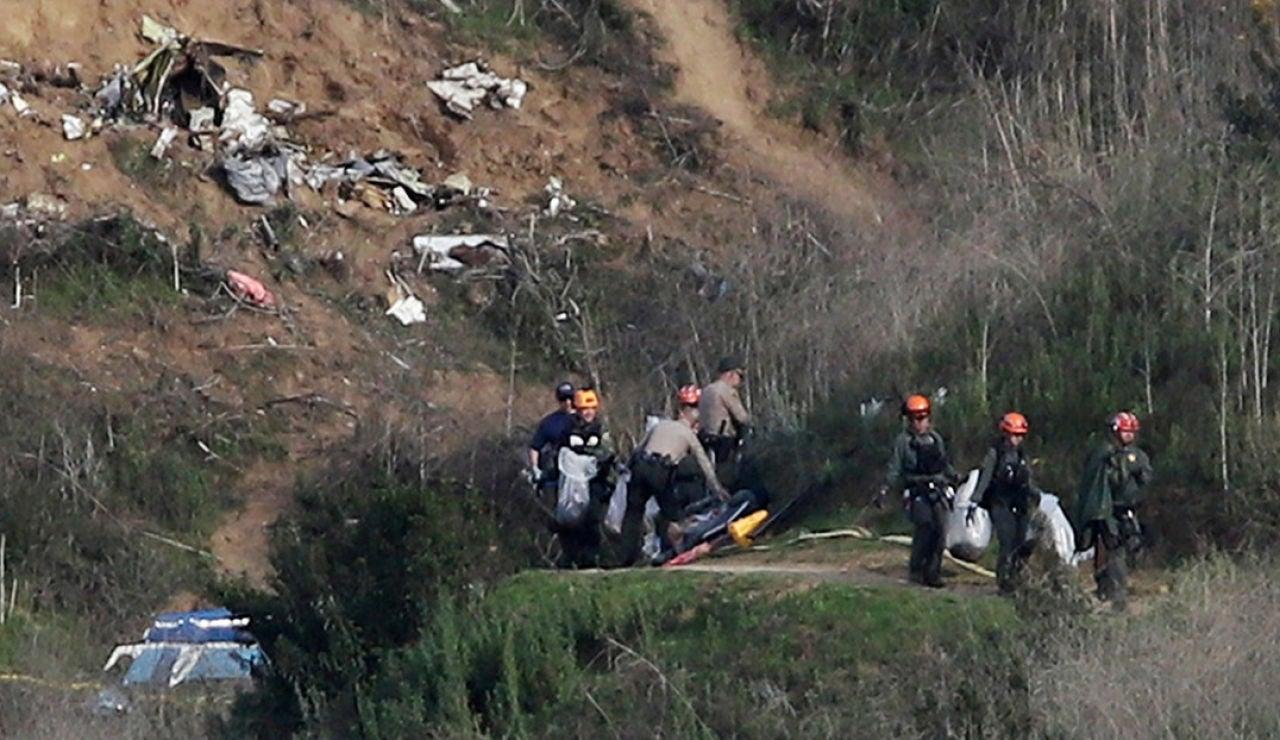 Retiran los cuerpos del lugar del accidente