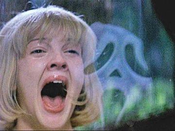 Drew Barrymore como Casey en 'Scream'