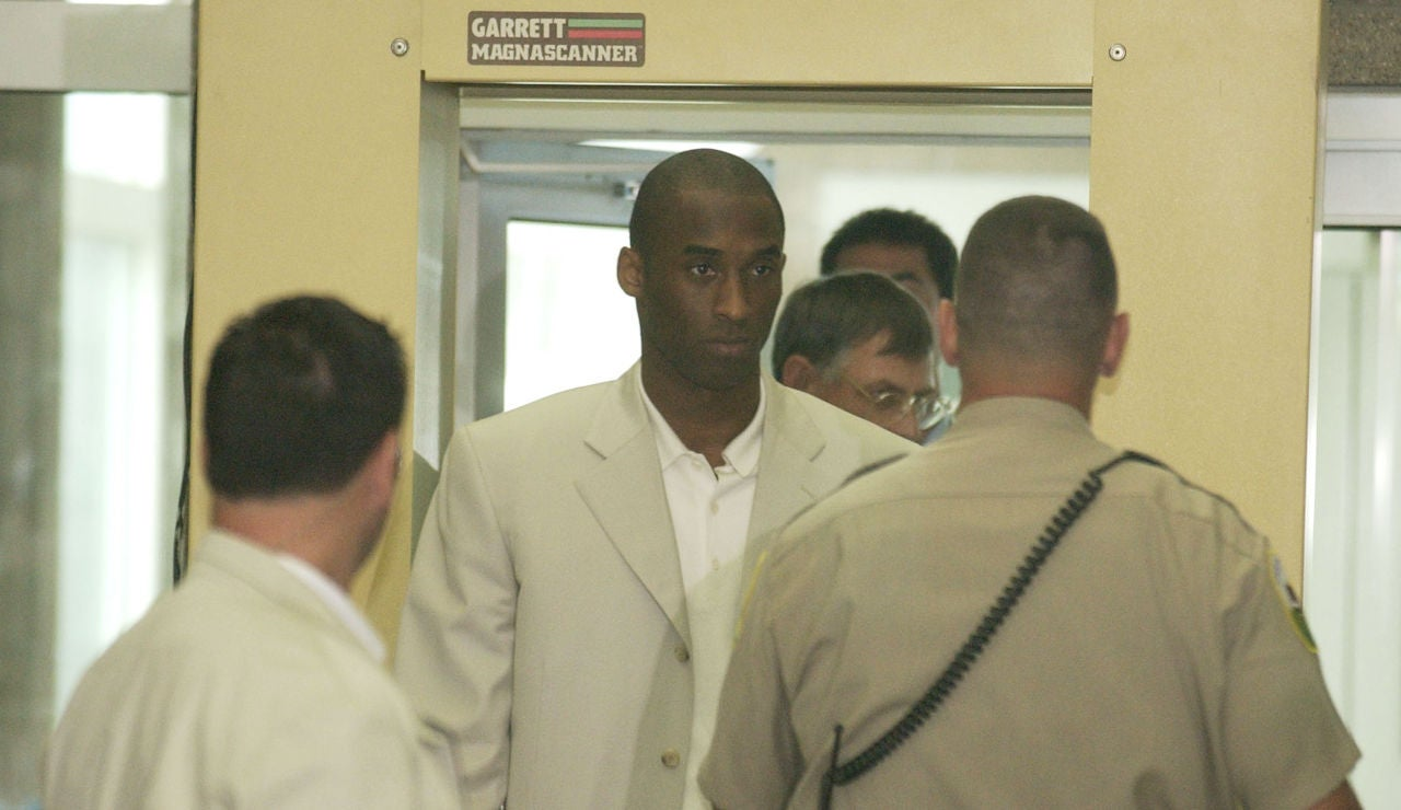 Kobe Bryant durante su juicio en 2003