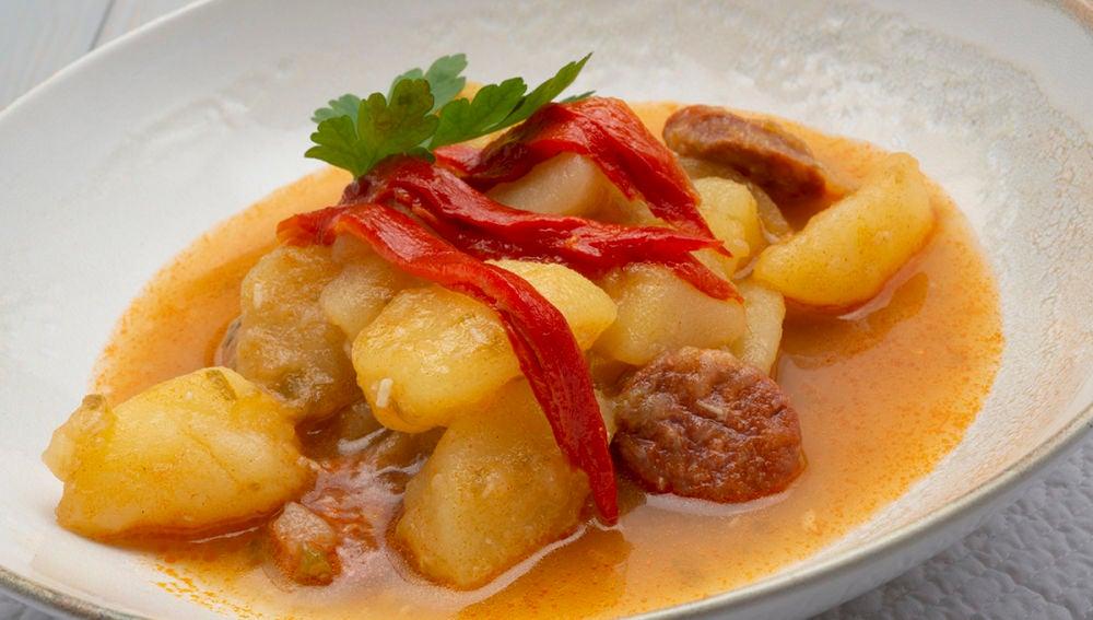 Patatas con chorizo y alegrías riojanas