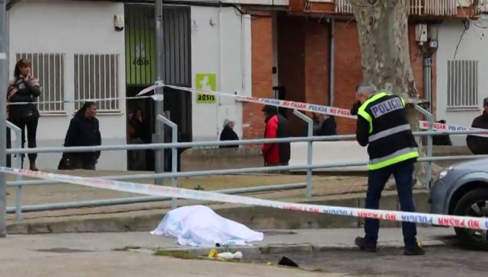 El hombre que ha muerto tiroteado en Salamanca paseaba con su hija pequeña en brazos